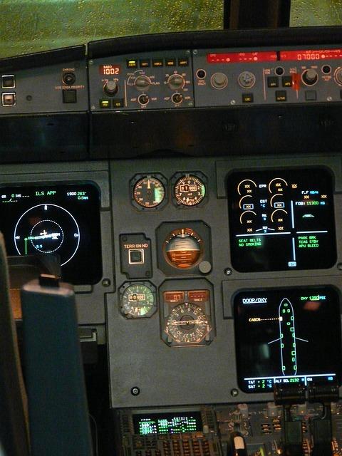 cockpit-64385_640